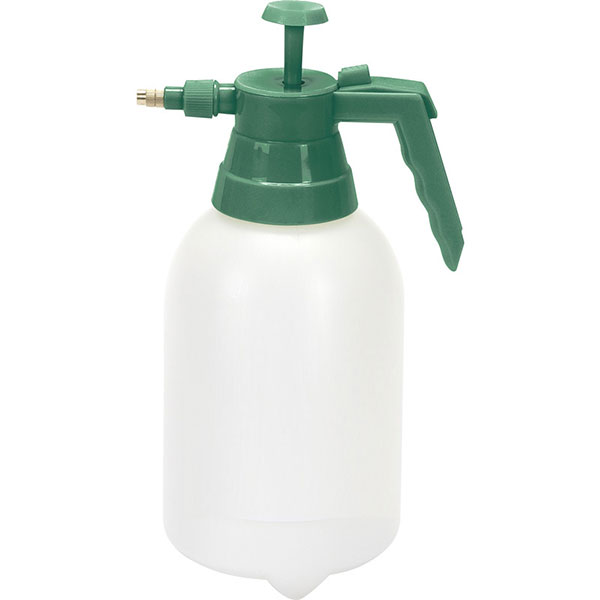 Natural animal health products: Garden sprayer to use with Paddock BioGreen